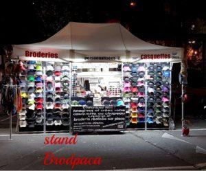 Brod Paca broderie personnalisée sur textile stand nocturne